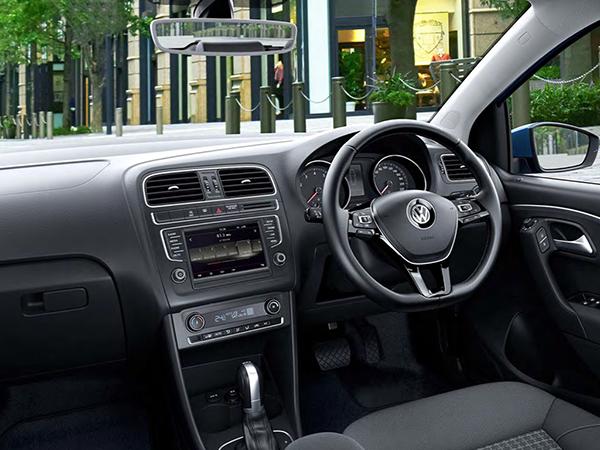 2014 Volkswagen Polo (Japan)