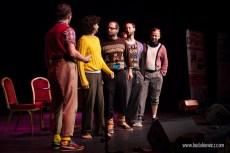 Łowcy.B na scenie teatru w Peterborough