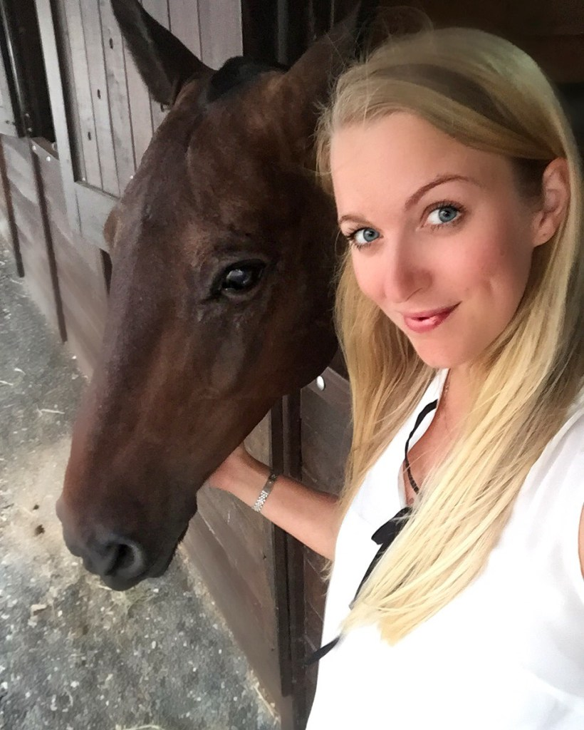 First things first, meet the ponies (and take a selfie with them)