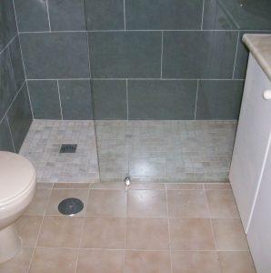 Platos de ducha de obra  piedra natural  resina