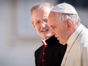 pope-francis-with-priest 2