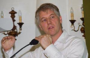POLYAS-Gründer Kai Reinhard spricht auf der E-Vote 2014