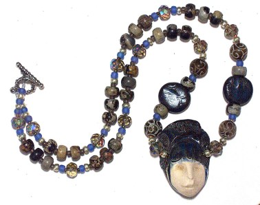 ceramic-face-necklace2