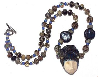 ceramic-face-necklace2