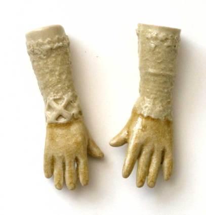 hands-pair-8b