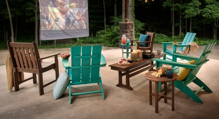 Outdoor Fall Movie Night with POLYWOOD blankets popcorn
