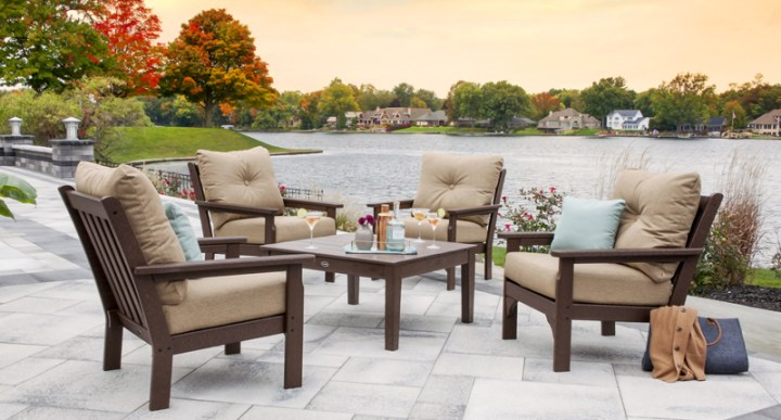 Fall drinks outdoors on outdoor furniture