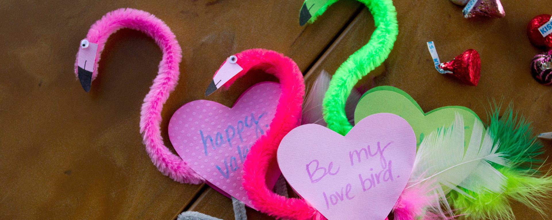 FEATURED-Valentine-Flamingos800