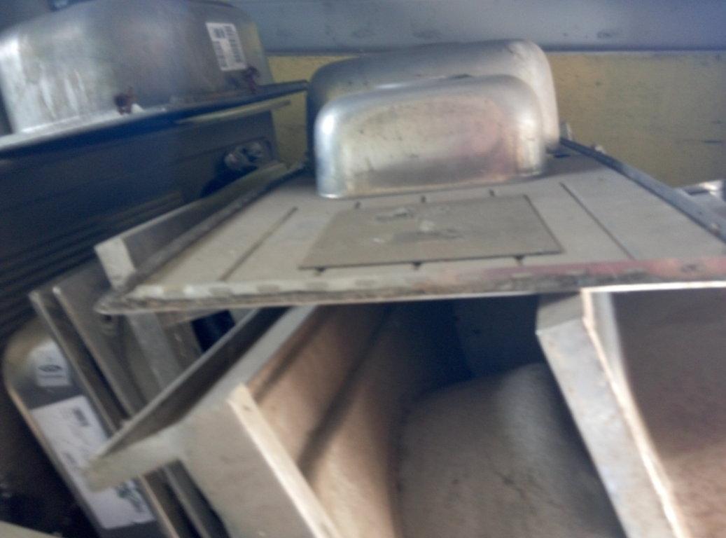 Lavelli usati in acciaio inox Pomili Demolizioni Speciali SRL