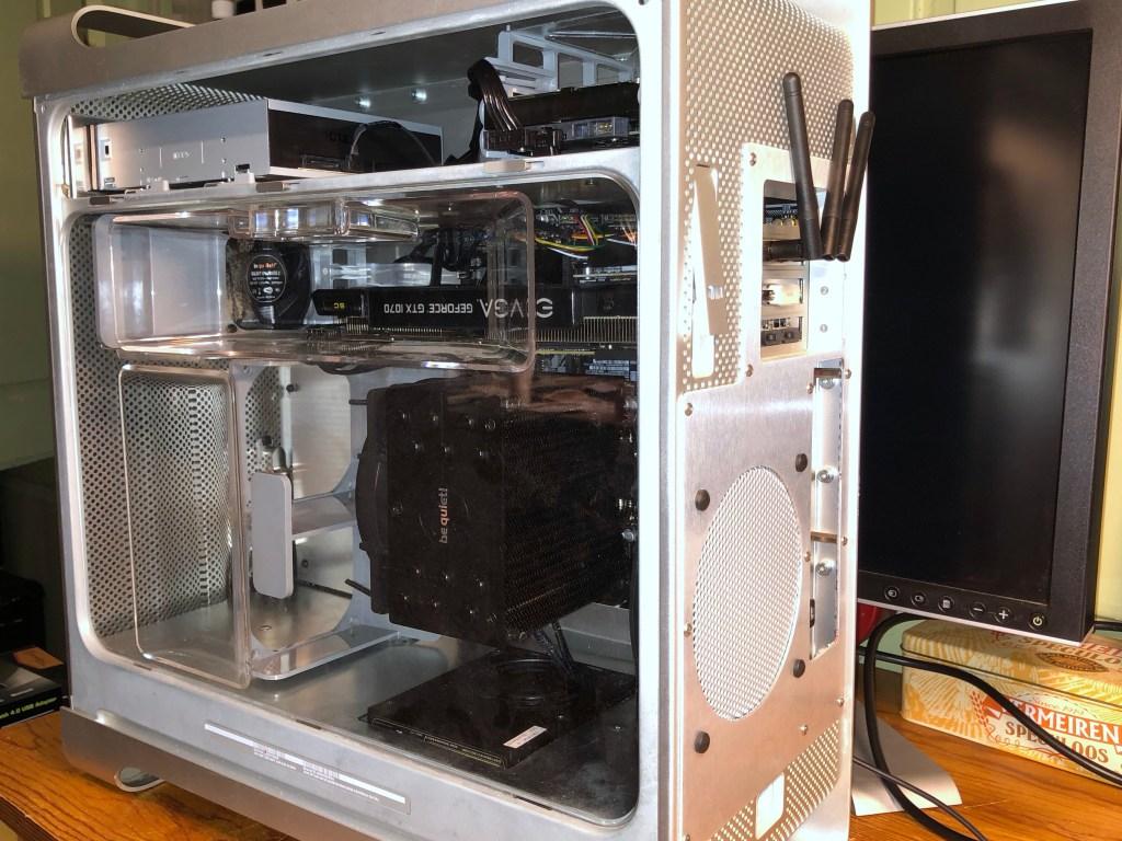 Le PowerHack G5 avec le déflecteur d'air en place, prêt à démarrer.