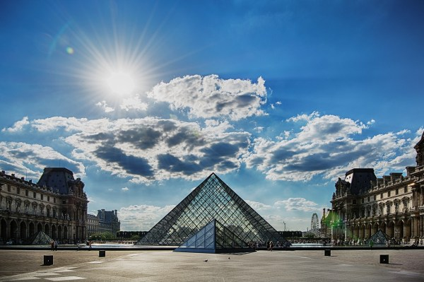 Tips Visiting Louvre In Paris Pommie Travels