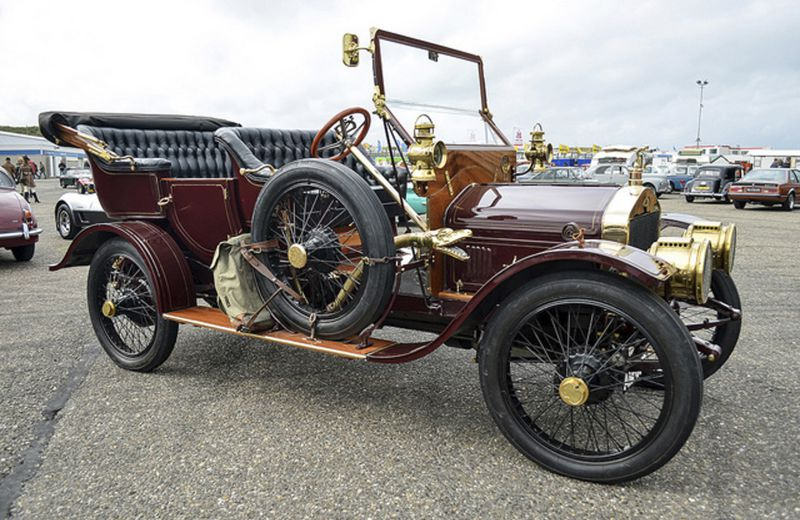 Collector Classics: Steam wagon maker turned to ...