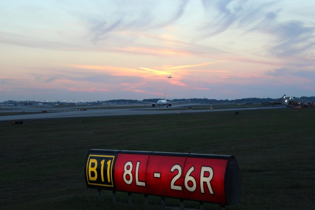 Runway 8L 26R Hartsfield Jackson International Airport Atlanta Georgia 1