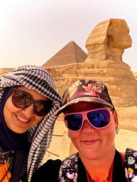 egypt_cairo_sphinx_charnette_selfie_2018