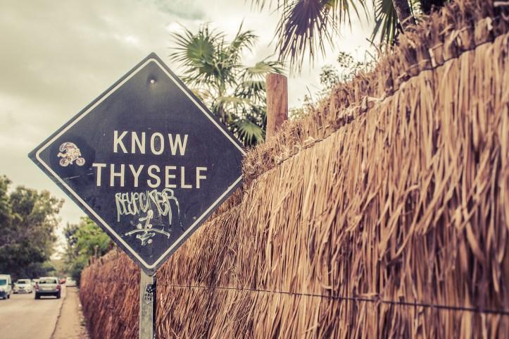 tulum_sign_know_thyself