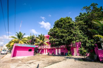 tulum_town_pink_hotel