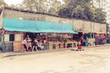 tulum_town_street_vegetable_market