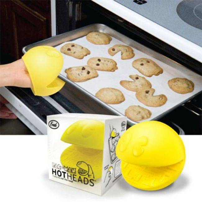 Utterly Useless Kitchen Gadgets: Pac Man Oven Mitts