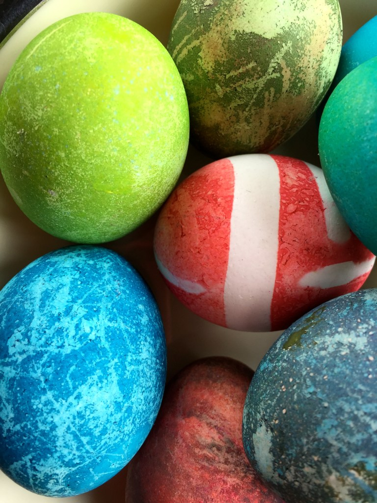 Every day beauty: dying Easter eggs