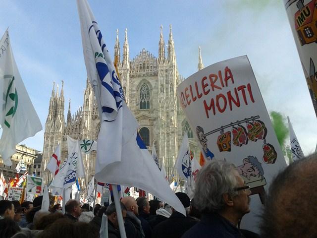 Ventimiglia  Manifestazione Lega Nord a Milano numerosa