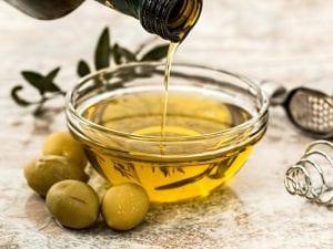 El aceite de oliva continúa siendo la opción más saludable del planeta   Nutrición sin más