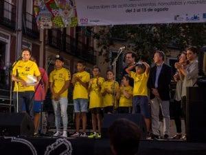 Fiestas San Cayetano, San Lorenzo y La Virgen de la Paloma 2016 | Dragones de Lavapiés leyendo el Pregón de Fiestas | Plaza de Cascorro | 04/08/2016