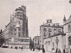 Gran Vía de Madrid | Vista de los edificios existentes antes de su construccion en 1910