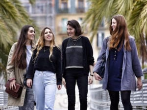 2ª Muestra de Cine Joven Europeo | Centro Cultural Conde Duque | Malasaña - Madrid | 13-17/02/2018 | 'Les amigues de L'Âgata' de Alabart, Cros, Rius y Verheyen