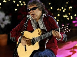 Feliz Navidad, próspero año y felicidad   José Feliciano