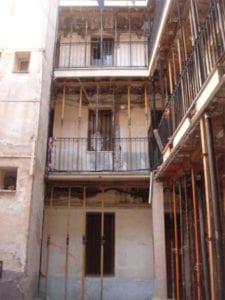 Expropiación y rehabilitación en Lavapiés de bloque de viviendas | Calle del Ventorrillo 7 | Embajadores | Centro | Madrid | Corrala apuntada | Foto: Mis fotos de Madrid
