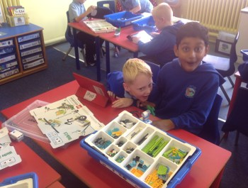 Year 3 Love Lego 'WeDo'!