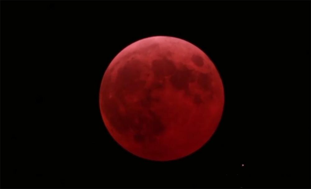 Eclisse di Luna  per stanotte  Ponza Racconta