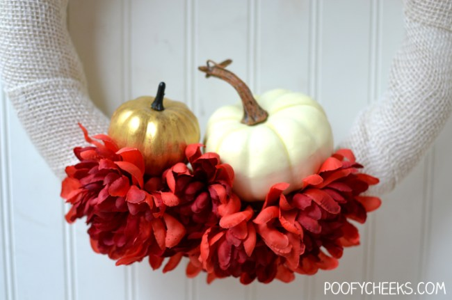 Need an easy wreath tutorial? Make this fall wreath in no time!