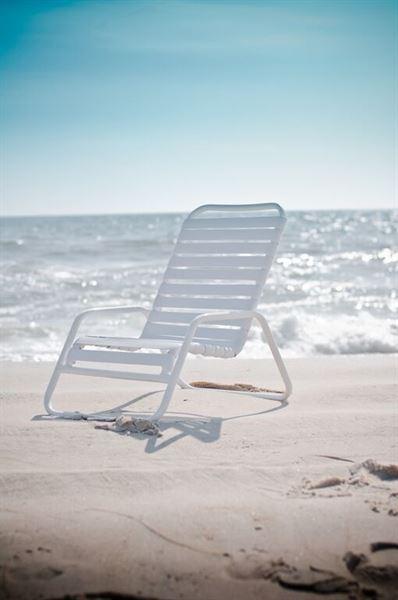 Quick Ship Pool Furniture Sand Chair Vinyl Strap Aluminum