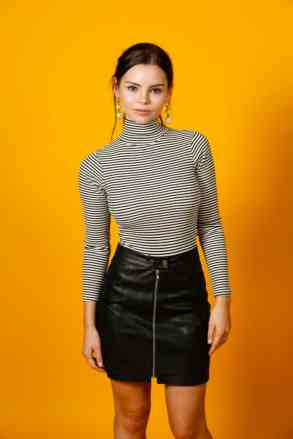Siren - HollywoodLife Exclusive NYCC Portraits