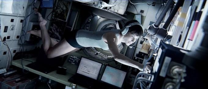 gravity-still-03