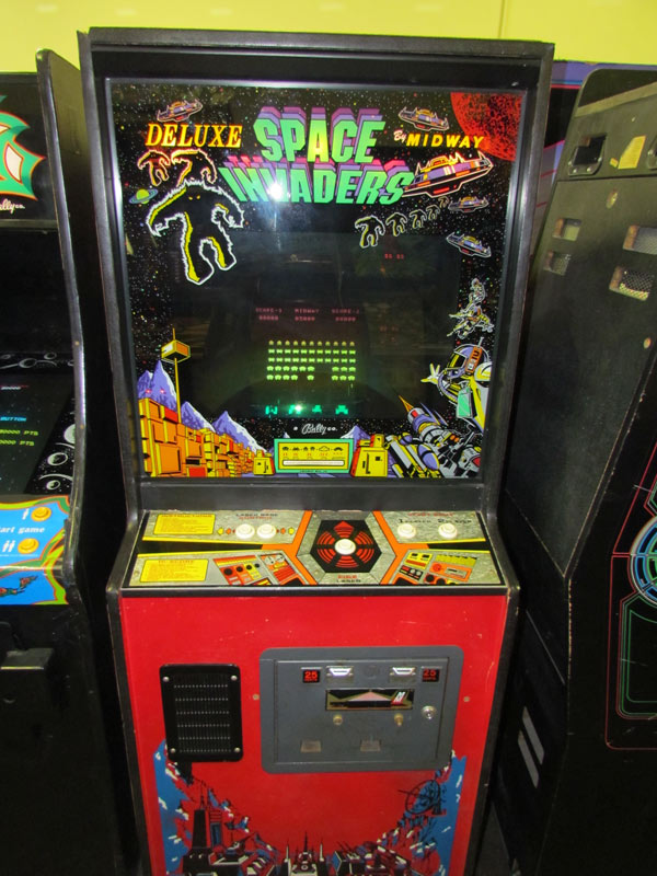 space-invaders-deluxe