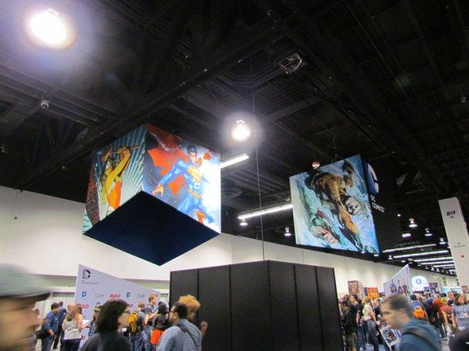 dc-comics-booth