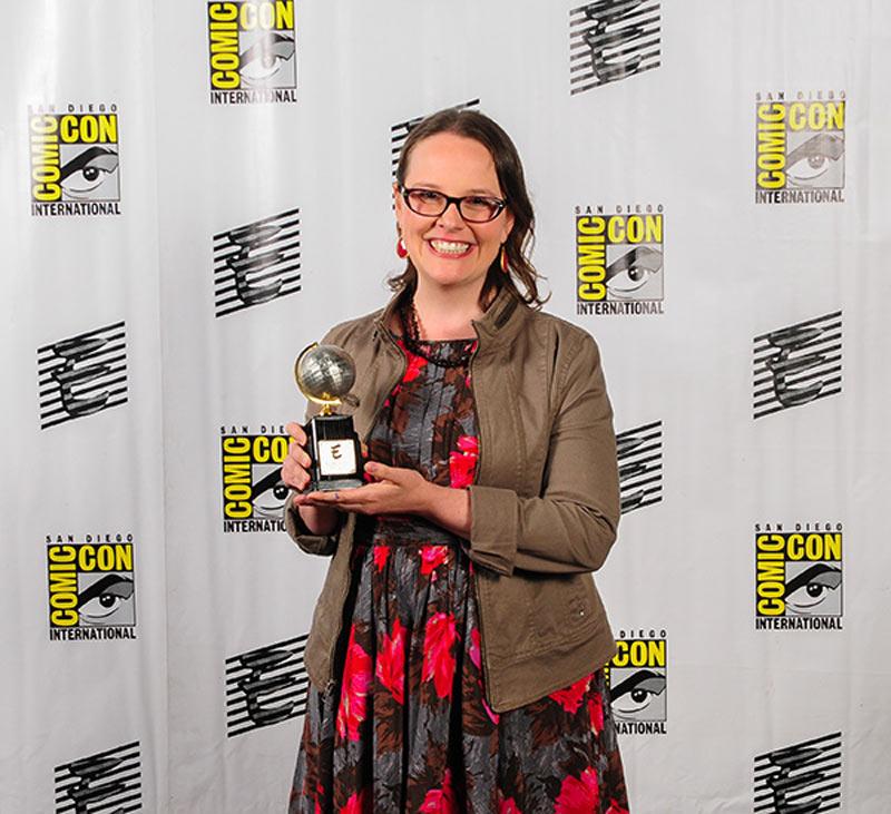 Reina-Telgemeier-eisner-award