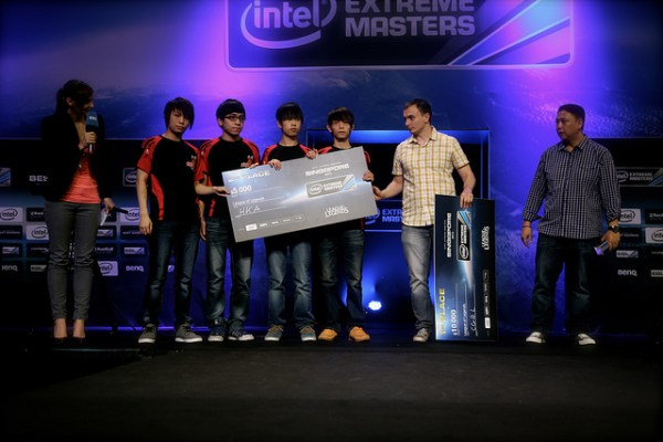 Intel Extreme Masters Singapore Day 2 - The runner ups of the LoL Amatuer tournament, HKA