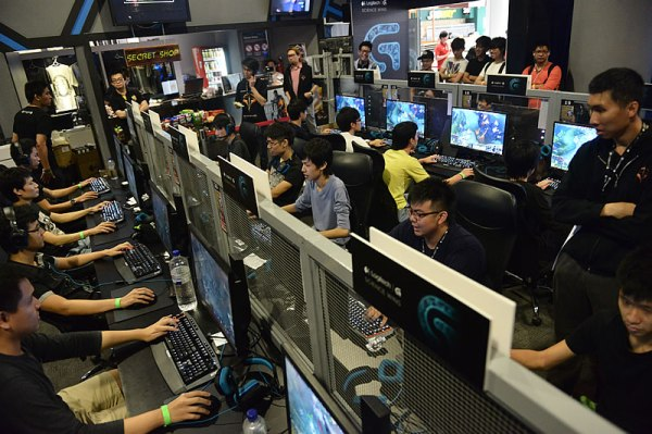 Teams of players were playing against one another in the DOTA 2 tournament
