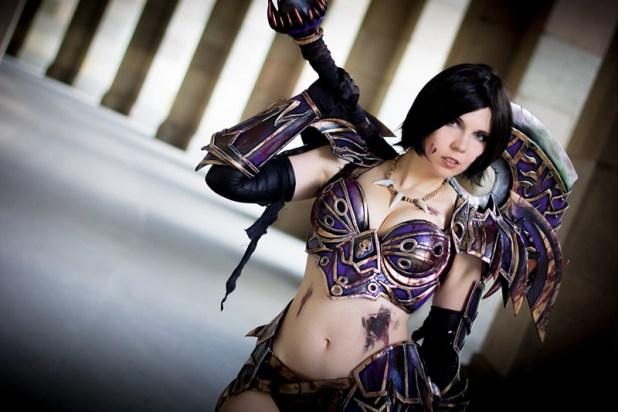 ICDS 2014 Cosplay Kamui World of Warcraft Warrior