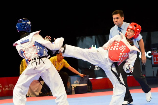 SEA Games 2015 Taekwondo kyorugi Aghniny Haque vs Khamsribusa Wilasinee