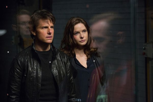 Left to right: Tom Cruise plays Ethan Hunt and Rebecca Ferguson plays Ilsa in Mission: Impossible – Rogue Nation from Paramount Pictures and Skydance Productions