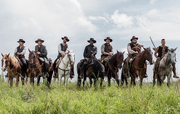 (l to r) Byung-hun Lee, Ethan Hawke, Manuel Garcia-Rulfo, Denzel Washington, Chris Pratt, Vincent D'Onofrio and Martin Sensmeier in Metro-Goldwyn-Mayer Pictures and Columbia Pictures' THE MAGNIFICENT SEVEN.