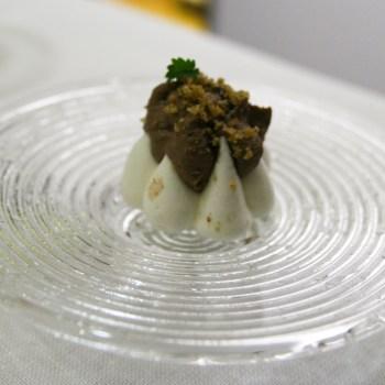 Meringa salata al lime con patè di fegatini e liquirizia