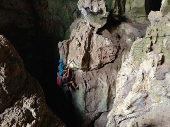 intro to caving in chiang mai with CMRCA