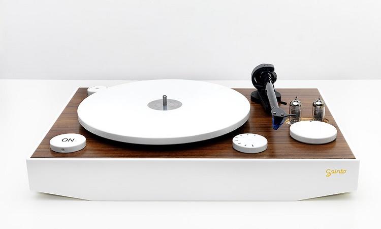 Giradischi hi-tech: con il vintage moderno si cambia musica