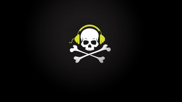 skull-with-heaphones-music-pirate
