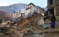 Un villaggio di montagna vicino al confine ceceno distrutto da un bombardamento dell'aviazione russa.